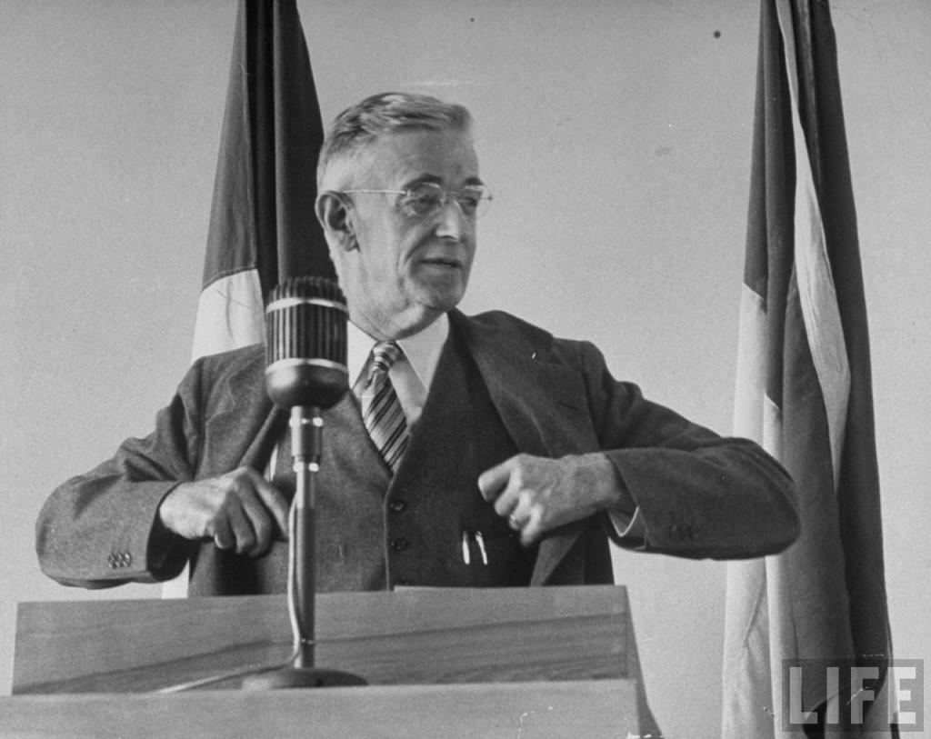 Vannevar Bush en 1949 - Life magazine